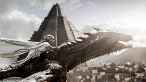 Daenerys_huye_con_Drogon